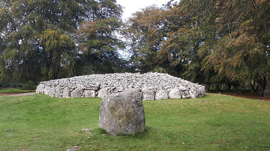 קברים עתיקים